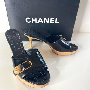 Auth CHANEL Black Patent Button Pin Heel 39 Mules